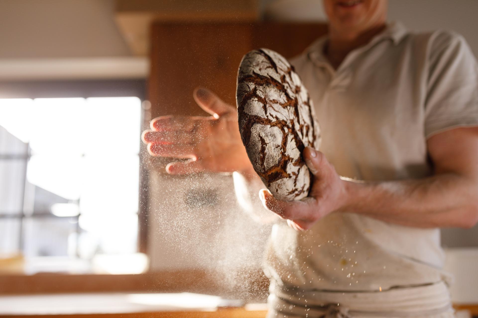 A házi liszt őrlésről…  Mi marad akkor a lisztben, ha mindent kiszednek belőle? A házilag őrölt liszt durván veri a boltit.