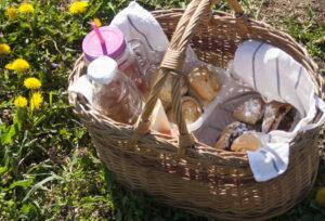 30 perces finomságok piknikkosárba, gyors vendégváró falatok – 1 tészta 10+ étek